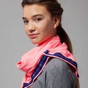 Ivivva Village Chill Scarf in Heather Flash Light